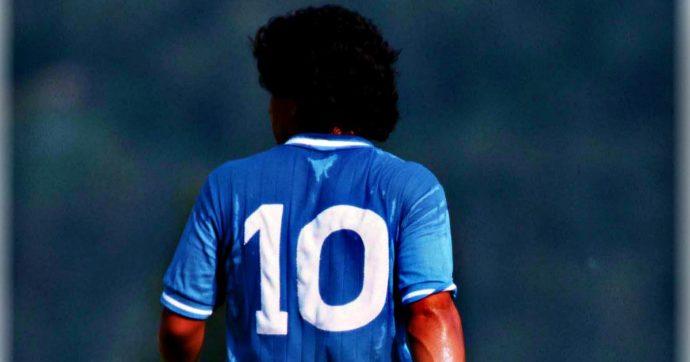 Quando un dio muore: l'uomo folle piange per la scomparsa di Maradona