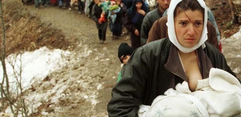 La guerra in Kosovo: Jovanotti, Ligabue e Pelù mostrano la sofferenza causata dal conflitto