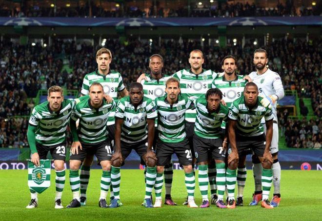 Tifosi dello Sporting Lisbona picchiano i calciatori  - La Presse