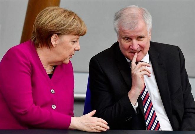 Angela Merkel e Horst Seehofer (LaPresse)