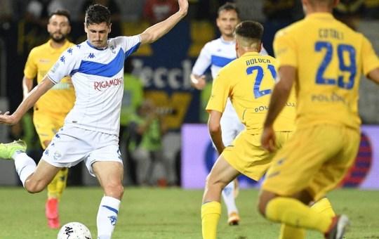Il Brescia agguanta il pari con il Frosinone dopo aver rischiato di perdere.