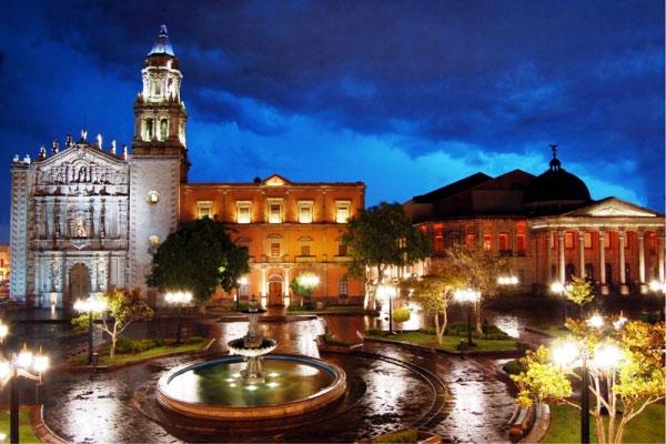 plaza-del-carmen