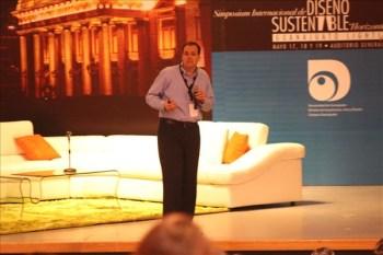 Felipe Uribe habló sobre la iluminación con un negocio con muchas vertientes