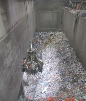 20131106-austria-residuos-basura-grua