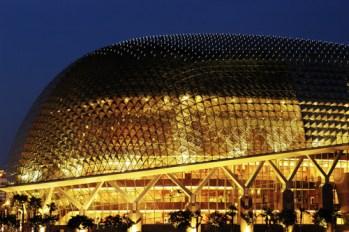 Iluminación exterior de la Ópera de Singapúr