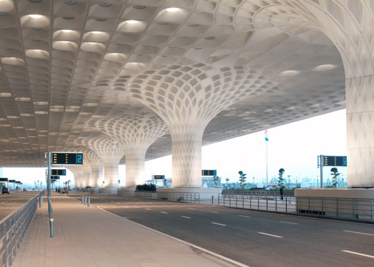 SOM-completes-Mumbai-airport-terminal-with-coffered-concrete-canopy_dezeen_ss_12