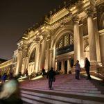 L'Observatoire International ilumina el Museo Metropolitano de Arte de Manhattan