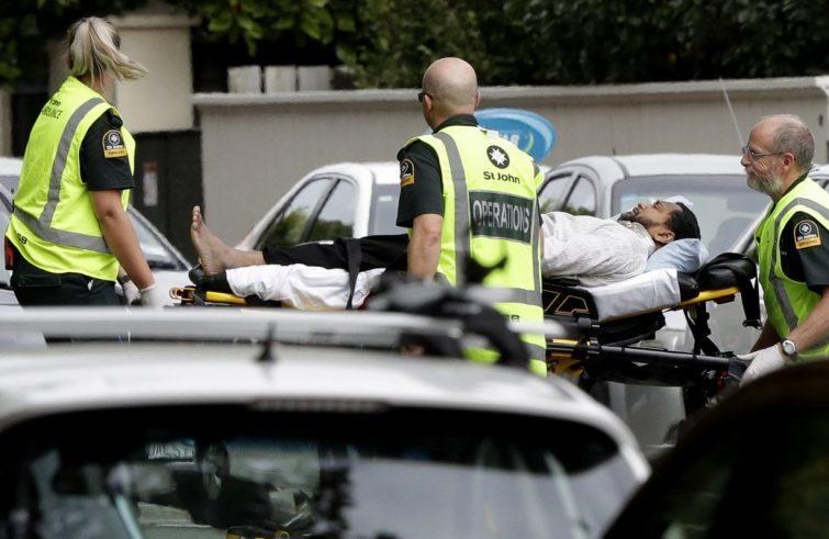 Nuova Zelanda si ferma per commemorare strage moschee