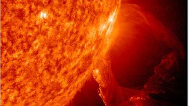 eruzione stellare