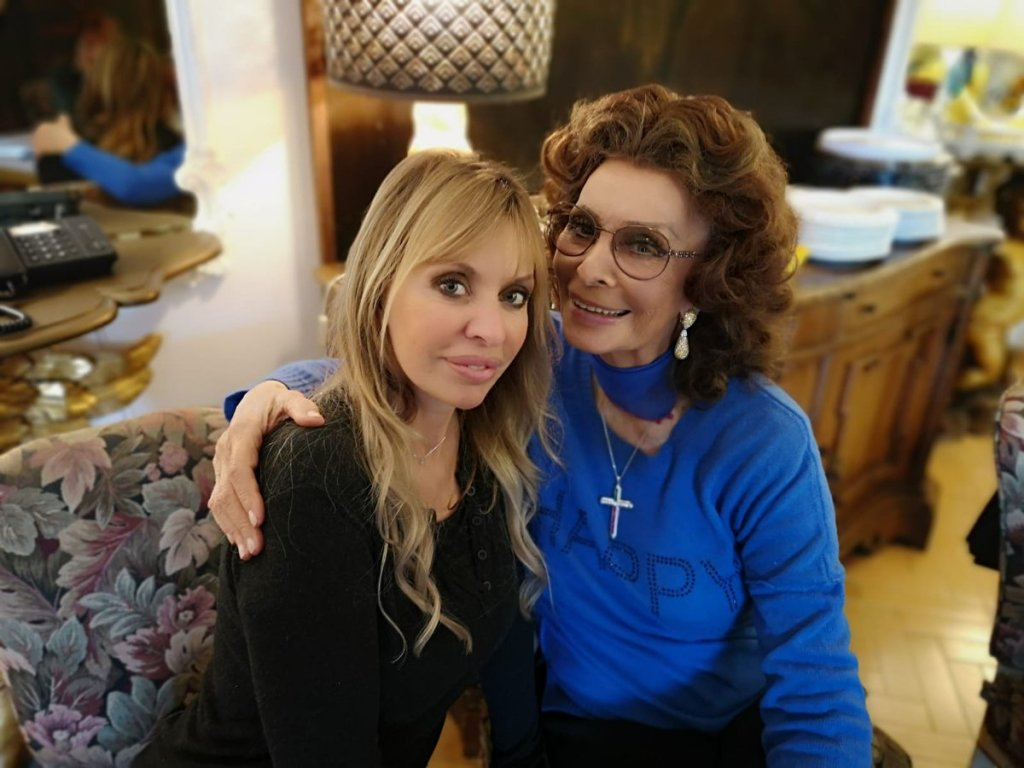 Alessandra Mussolini in una foto di famiglia con la zia Sofia Loren