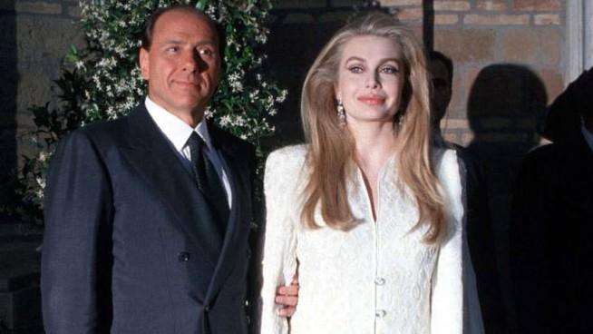 Silvio Berlusconi trionfa in tribunale: non dovrà versare l'assegno alla Lario