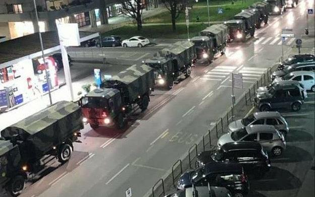 Una lunga colonna di mezzi dell'Esercito porta 60 bare fuori Bergamo verso  altri forni crematori - Ultime notizie dall'Italia e dal mondo