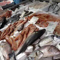 Controllo in una pescheria,trovati 130 kg di pesce Serra non etichettati