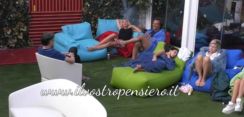 Gfvip: Antonella Elia e Valeria Marina si scontrano per l'amicizia di Aristide.