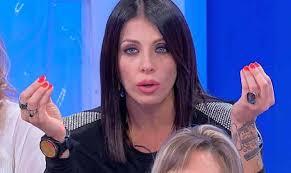 Uomini e Donne: Valentina Autiero sommersa dalla critiche sul web.