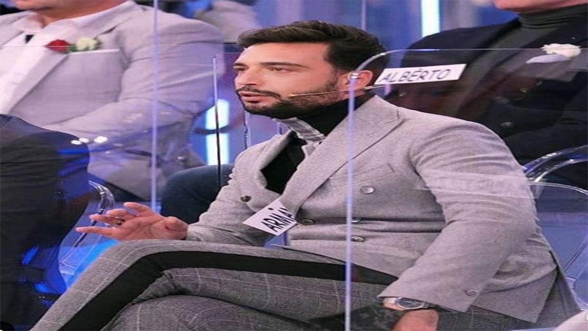 Uomini e donne: Armando Incarnato infuriato con un suo fan.