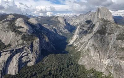 Half Dome met Yosemite Valley vanaf Glacier Point