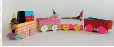 tren-con-cajas-decoradas-e1344635187978