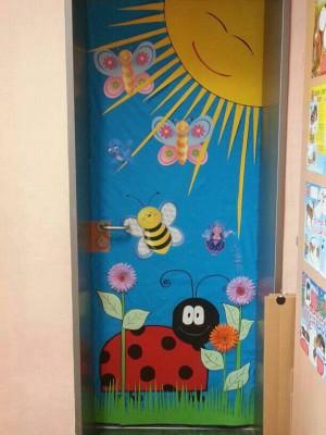 S per colecci n con m s de 100 puertas para nuestras for Puertas decoradas para el 10 de mayo