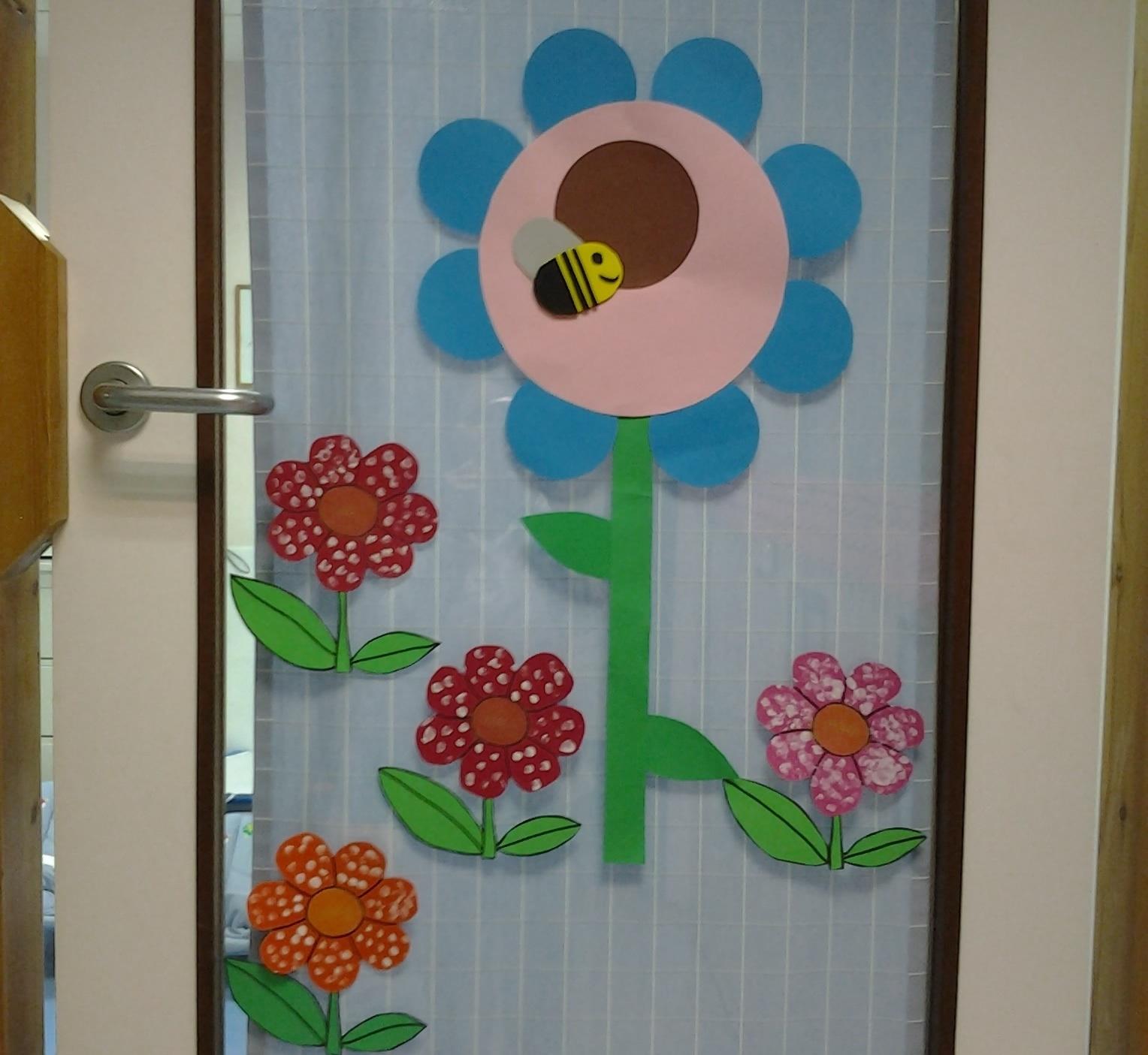 Primavera puertas 23 imagenes educativas for Decoracion aula primaria