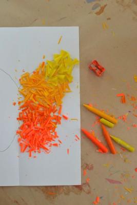 Mariposas de papel con ceras y crayones reciclados (3)