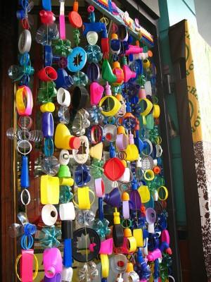 Cortinas para puertas interiores y exteriores con tapones y botellas de plástico (6)
