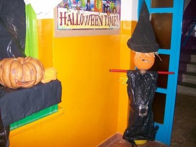 Halloween Aulas pasillos y exteriores (7)