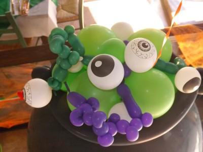 "ideas para decorar con globos para niños ""Halloween"" (20)"