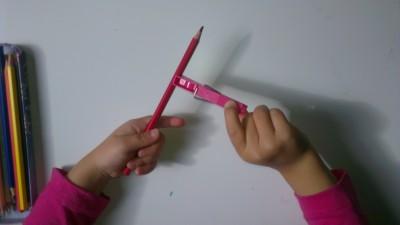 Truco enseñar a coger el lápiz correctamente (4)