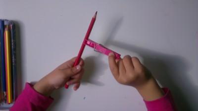 Truco enseñar a coger el lápiz correctamente (5)