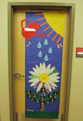 Decoracion puertas clase (4)