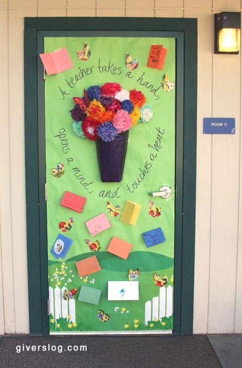 Puertar decorar clase 4 imagenes educativas for Puertas decoradas para el 10 de mayo
