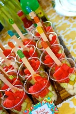 Fuentes y brochetas de frutas (12)