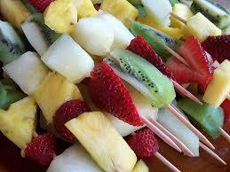 Fuentes y brochetas de frutas (26)