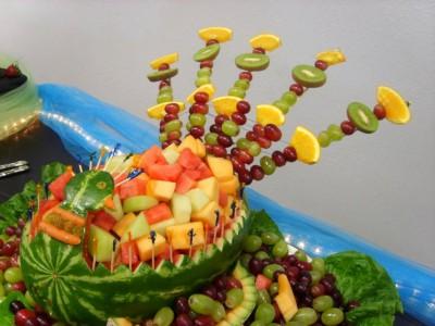Fuentes y brochetas de frutas (27)