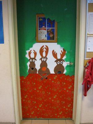 101 ideas para decorar la puerta de tu clase o sal n en for Adornar puertas para navidad