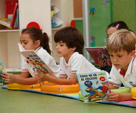 Resultado de imagen para niños leyendo