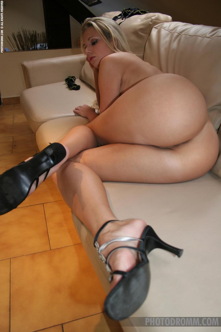 Renata Suicide Blonde By Photodromm