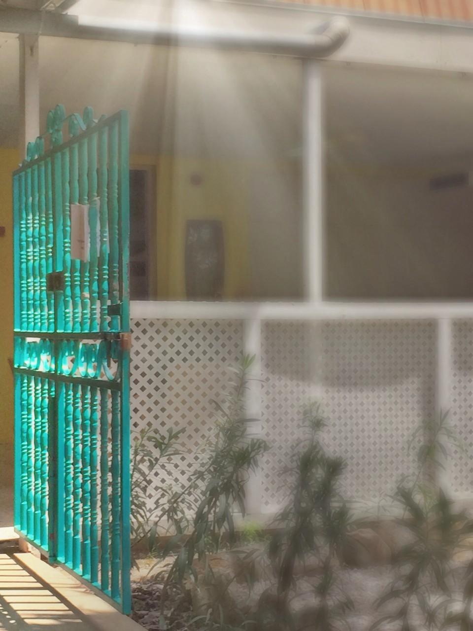 Bonaire gate