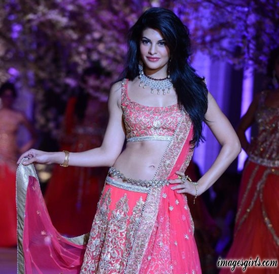 jacqueline fernandez beautiful look images gallery