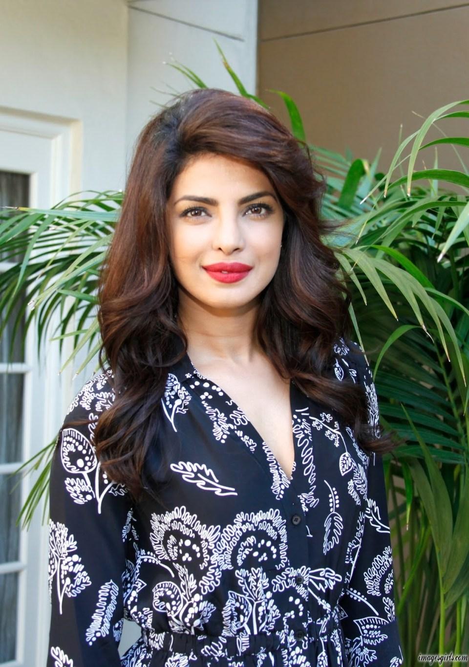 Priyanka Chopra Looks Super Sexy At Quantico Press Conference