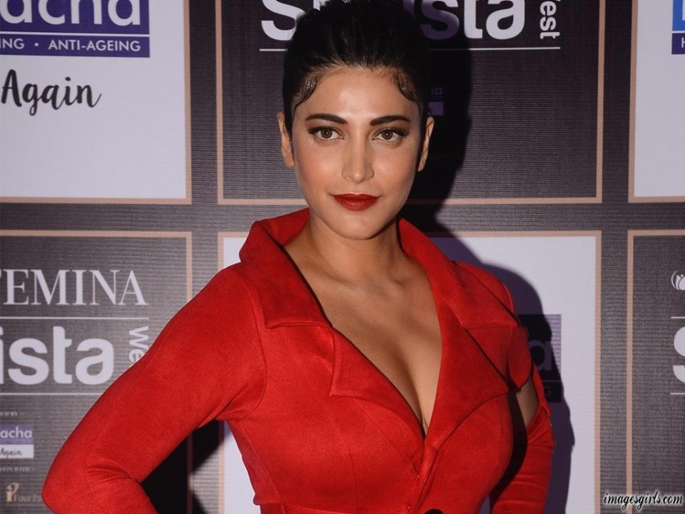 Shruti Haasan Hot Photoshoot