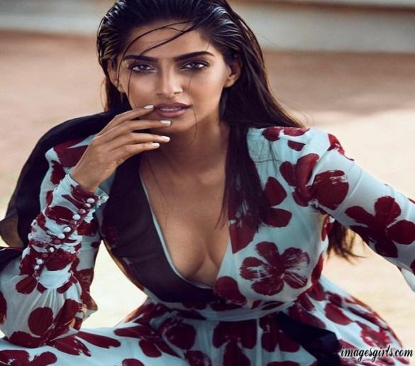 Sonam Kapoor HD Wallpapers in Vogue India