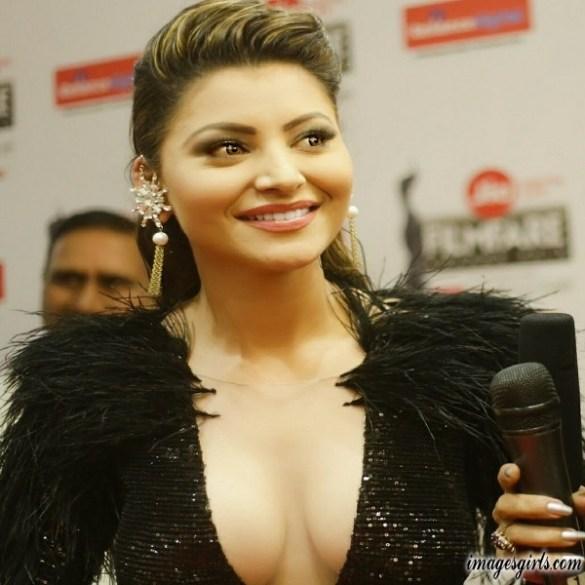 Urvashi rautela Beautiful Photoshoot at Jio Filmfare Awards