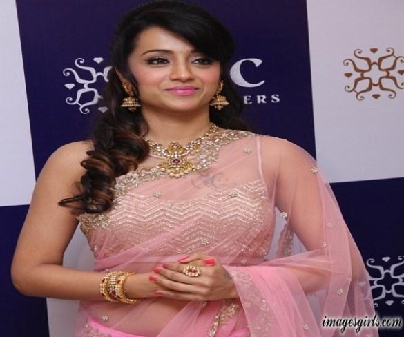 Trisha Krishnan Photos at NAC Jewellers Launch