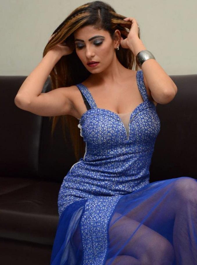 Nikita Soni Glamour Photos At Upcoming Movie