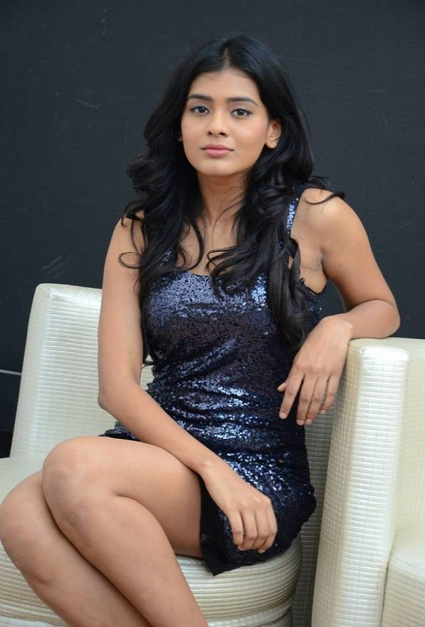 latest hot pics of Hebah Patel