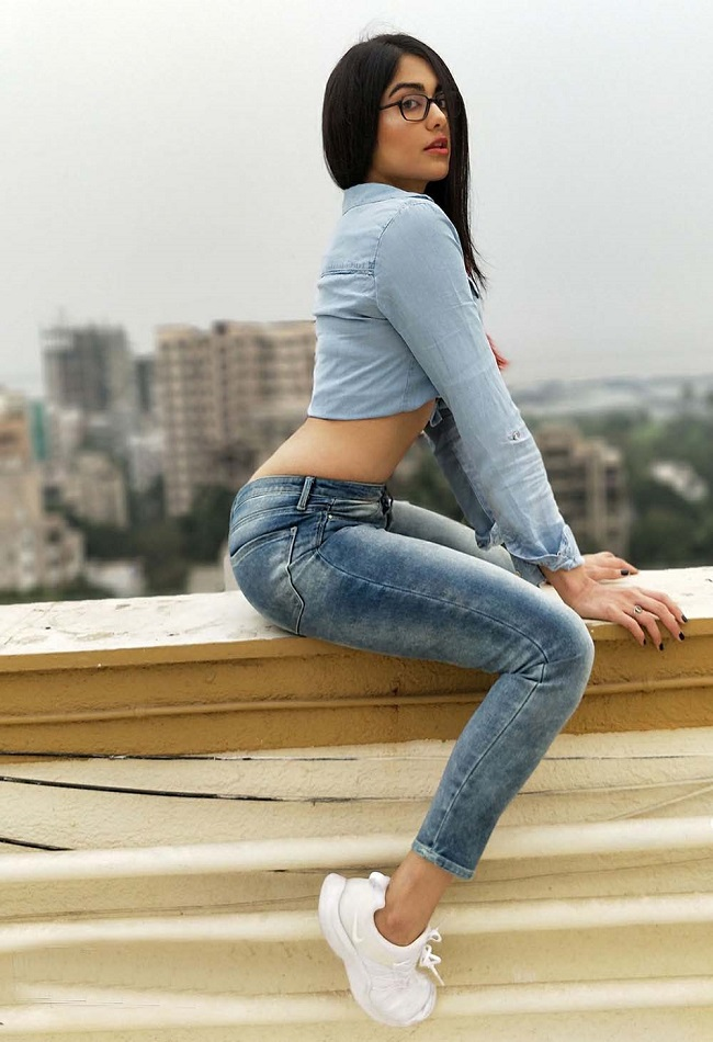 Adah Sharma Hot Glamorous Photoshoot