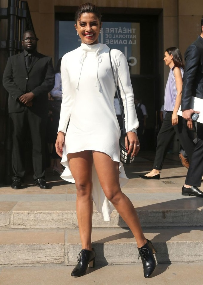 Priyanka Chopra Sexy Legs pics