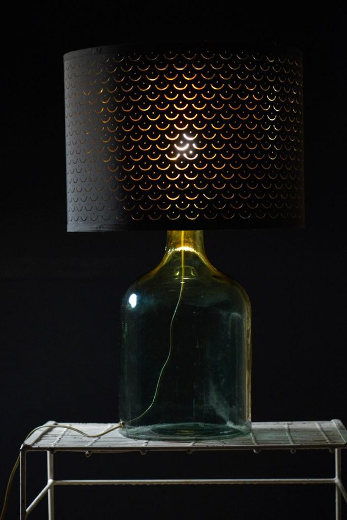 Szklana lampa z kloszem